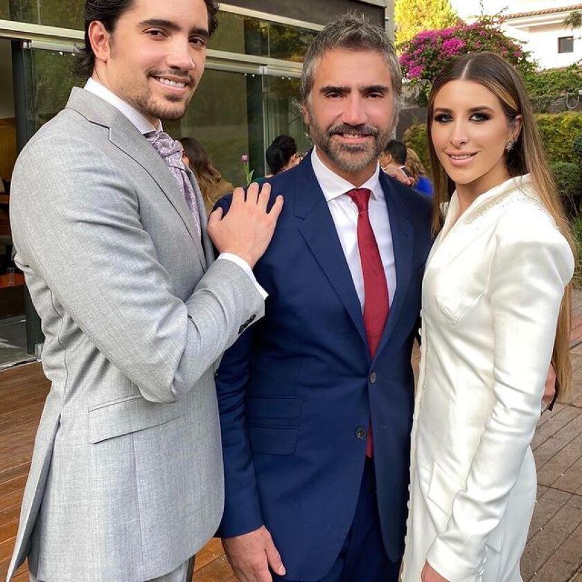 El día del matrimonio de Álex y Alexia, su padre compartió con ellos y les deseó lo mejor en esta nueva etapa de sus vidas.