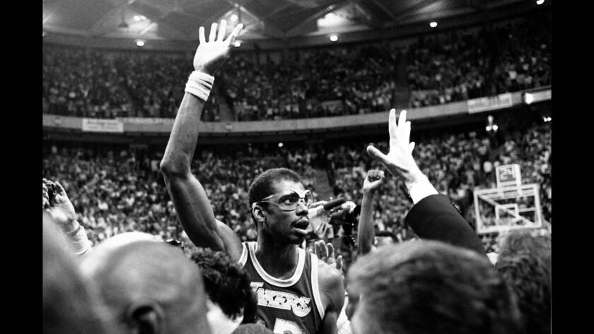 This day in sports: Lakers' Kareem Abdul-Jabbar breaks NBA career scoring record
