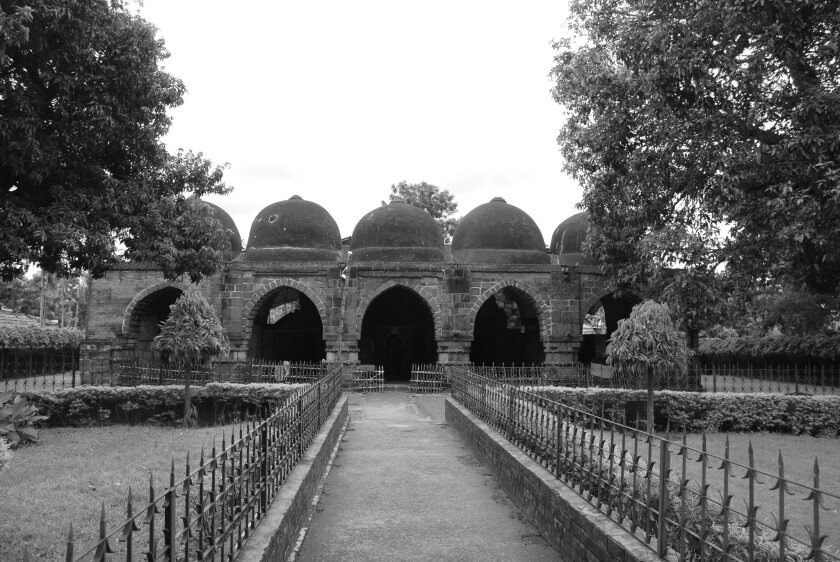 A photograph of The tomb of Zafar Khan Ghazi, Tribeni, West Bengal, early 13th century CE, featured