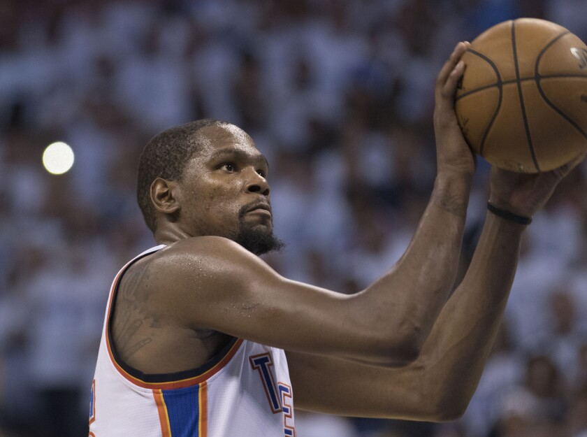 Kevin Durant has a big game to help the Thunder tie series with the Spurs
