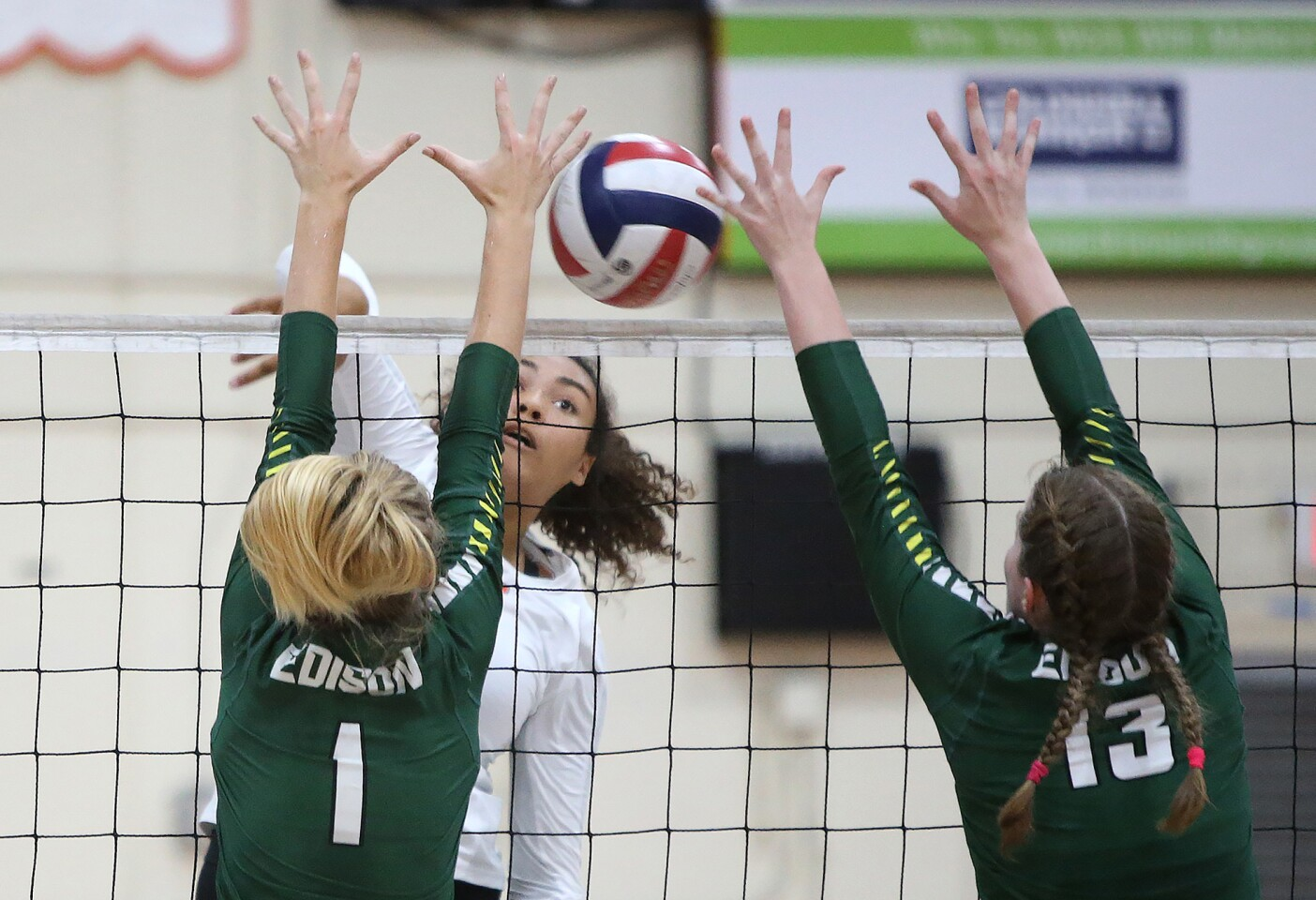 Photo Gallery: Edison vs. Huntington Beach in girls' volleyball