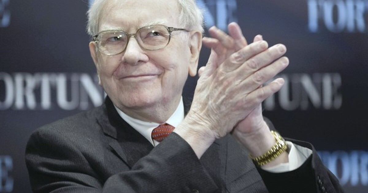 www.latimes.com: Celebrities welcome Warren Buffett to Twitter
