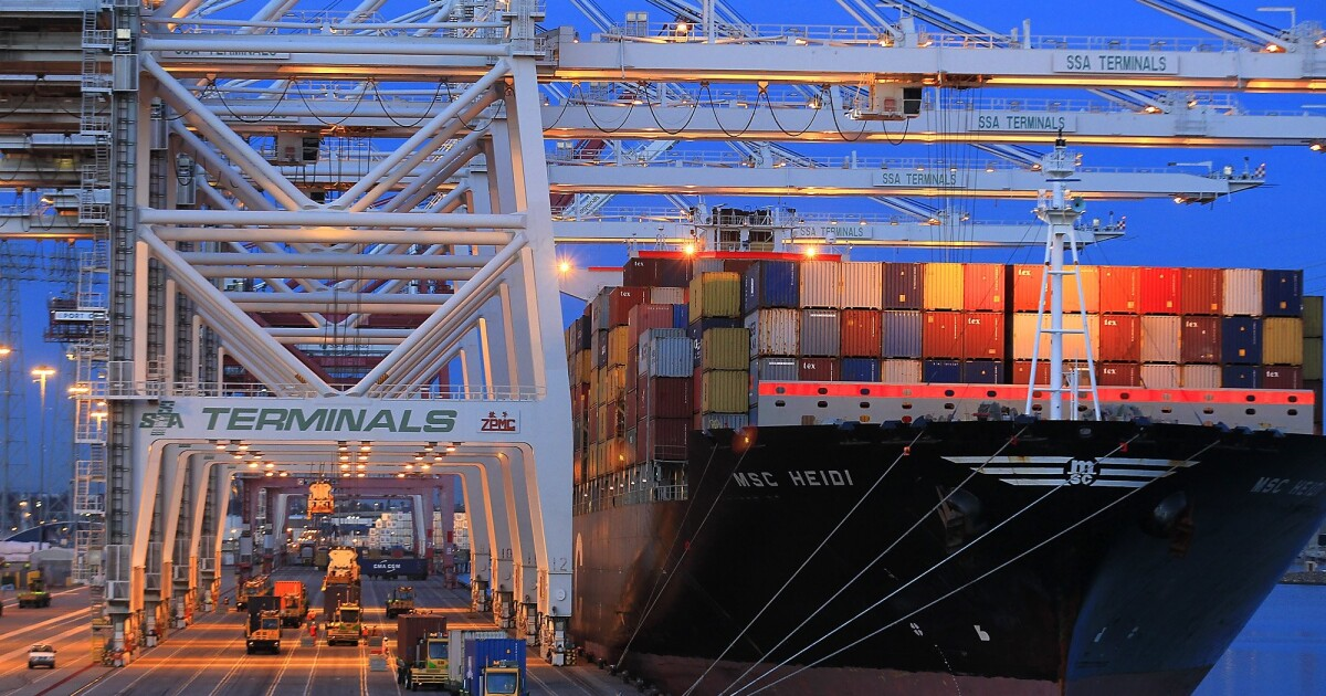 www.latimes.com: Could a COVID-19 surge lead to shutdowns at L.A. ports? Officials plead for dockworker vaccines