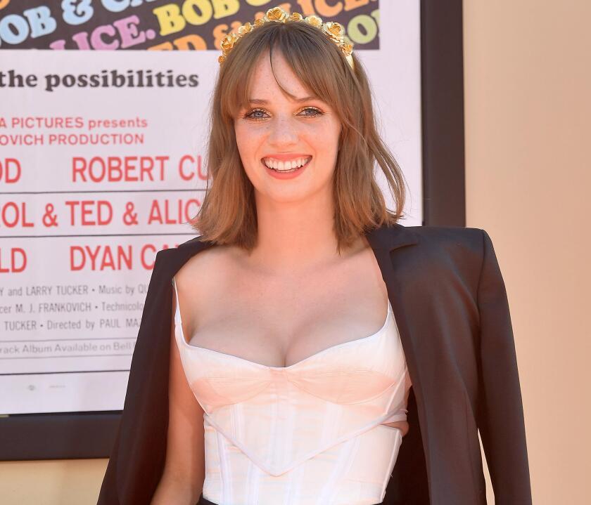 """Maya Hawke viene conquistando corazones con su participación en """"Stranger Things"""", y ahora actúa en lo nuevo de Tarantino."""