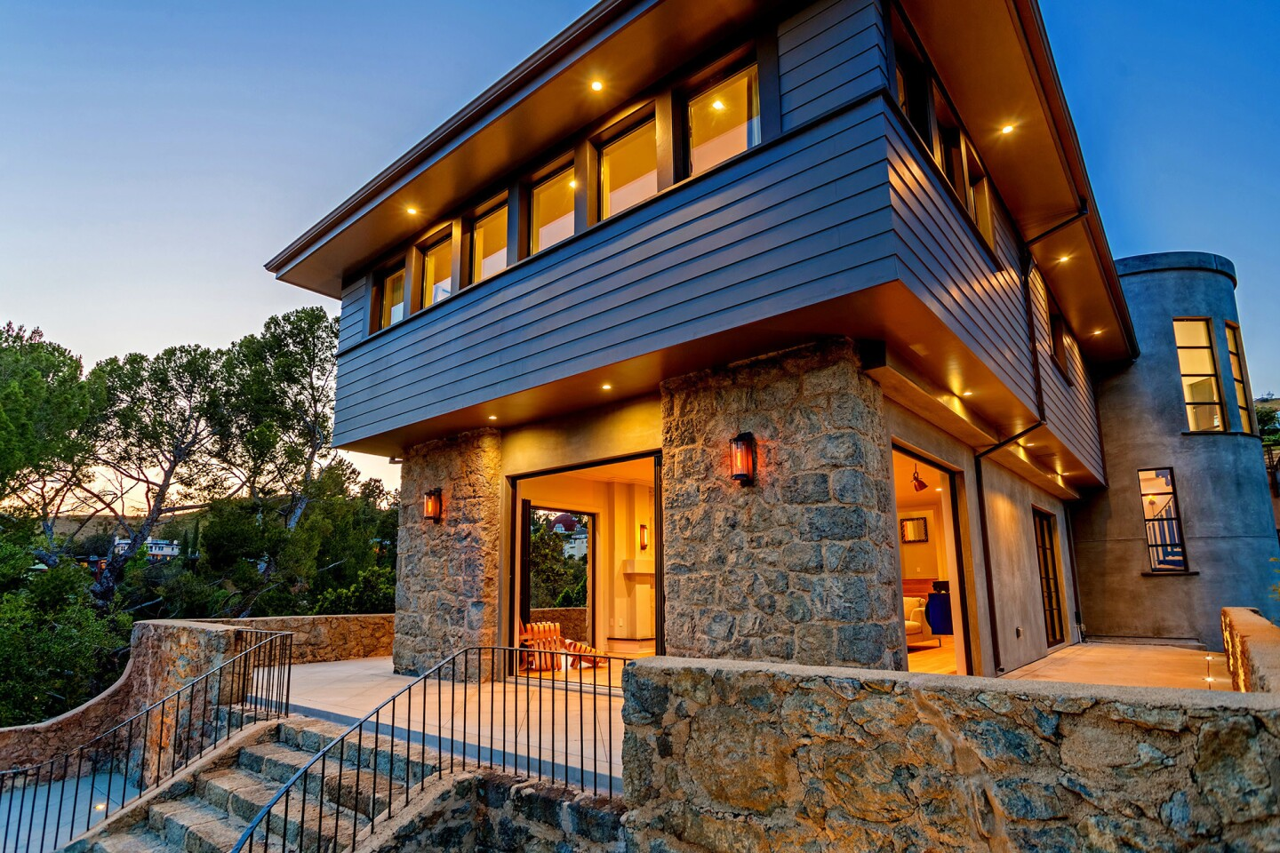 Home of the Week | A modern castle in Hollywoodland