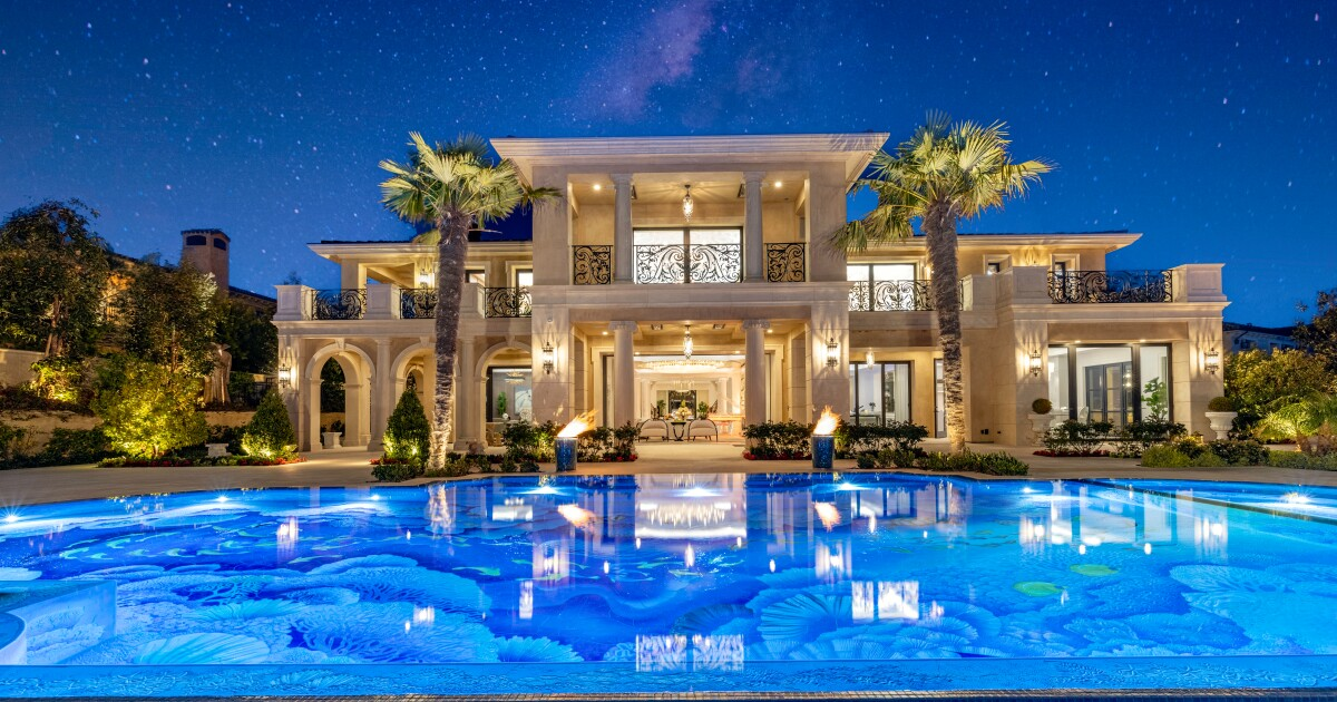 Real Estate newsletter: A gold palace chases a record price