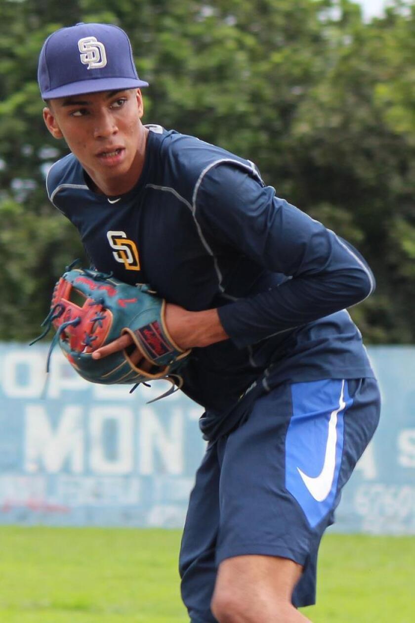 """Panameño Preciado inicia el """"camino a un sueño"""" con los Padres de San Diego"""