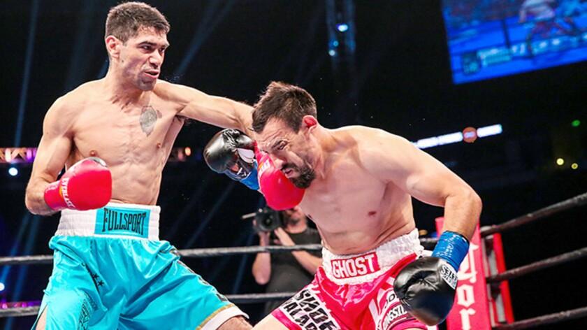 El argentino Emanuel Peralta impuso su golpeo sobre Robert Guerrero.