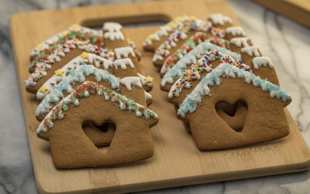 Gingerbread heart houses