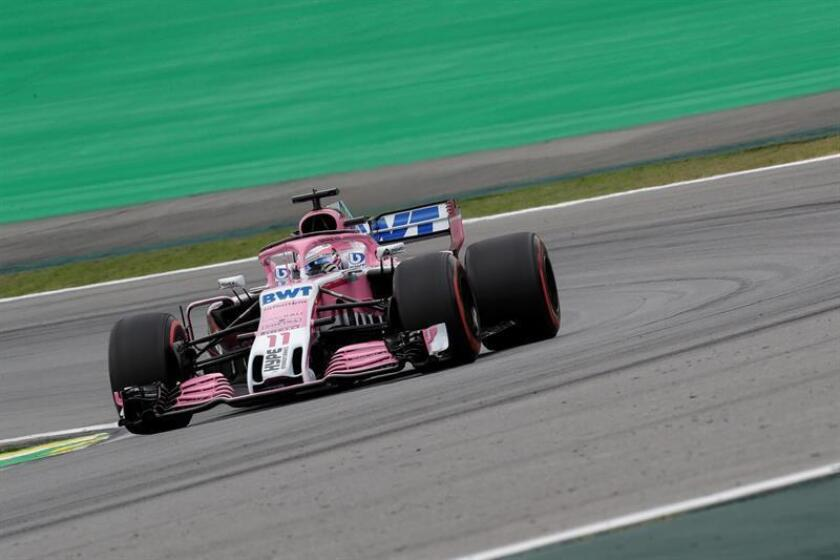 El monoplaza conducido por el piloto mexicano Sergio Pérez, del equipo Force India de Fórmula 1, fue registrado este sábado, durante la serie de clasificación para el Gran Premio de Brasil, en el autódromo Interlagos de Sao Paulo (Brasil). EFE