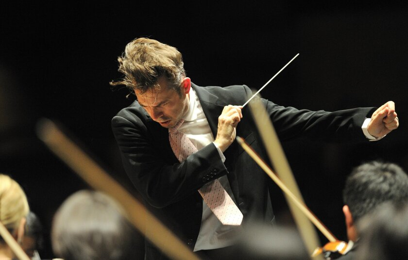 Conductor Justin Brown. Photo by Jochen Klenk