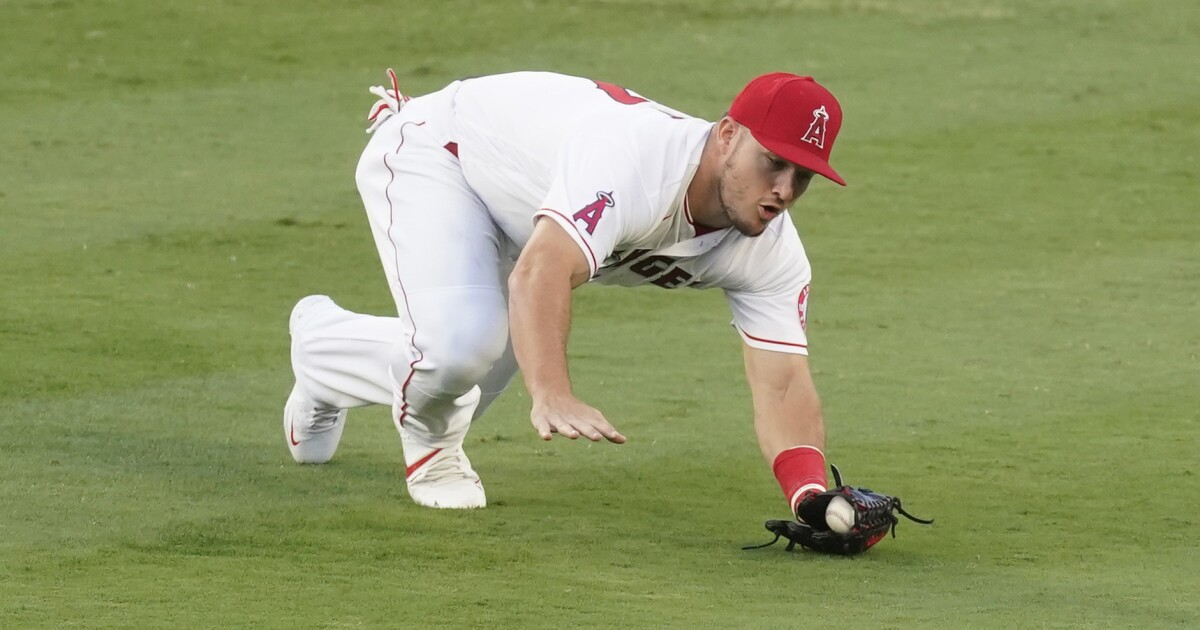 Mike Trout reminds everyone why he's an AL MVP contender in Angels' win