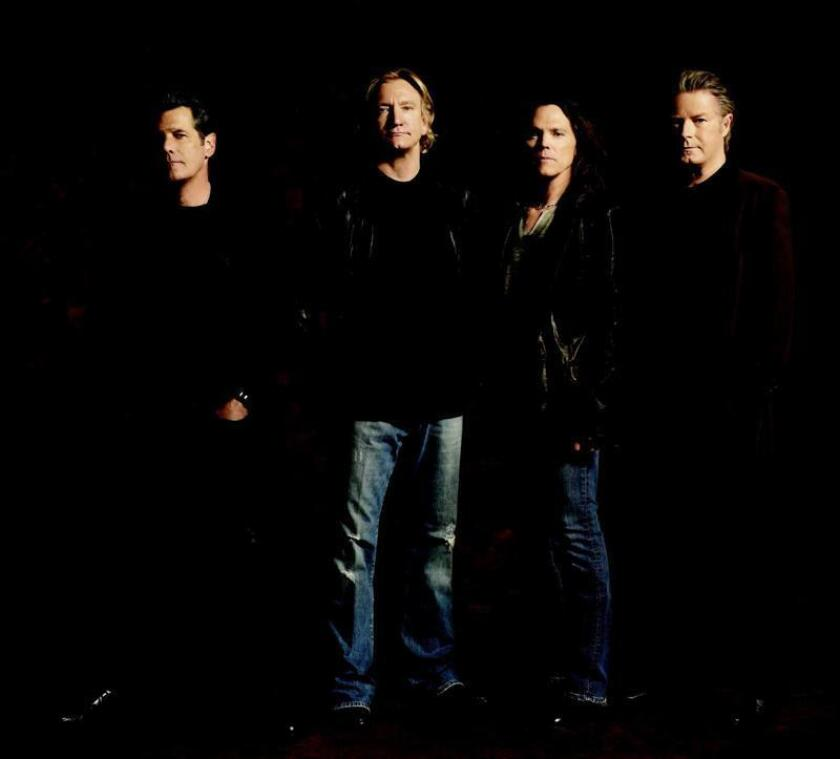 """El grupo Eagles y los propietarios de un hotel mexicano acordaron hoy poner fin a una demanda que presentó la banda en mayo del año pasado por un presunto uso ilegítimo del nombre """"Hotel California"""", que da título a su canción más famosa. EFE /ARCHIVO/SOLO USO EDITORIAL"""
