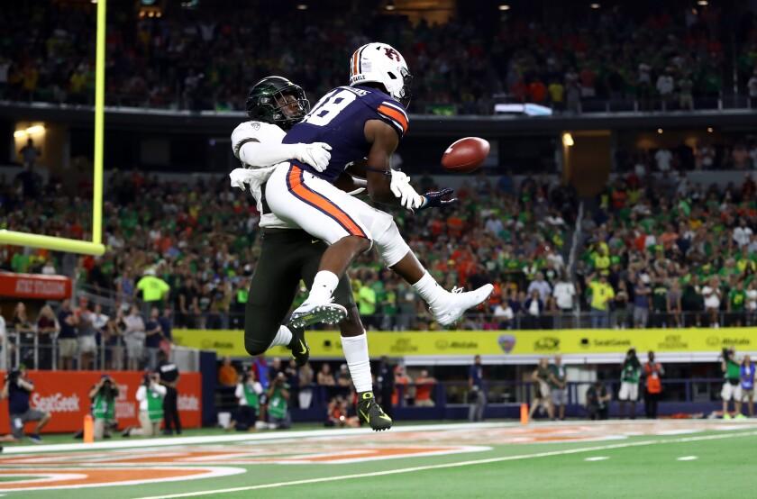 Auburn's Seth Williams beats Oregon's Verone McKinley III for a game-winning 26-yard touchdown catch Aug. 31, 2019.