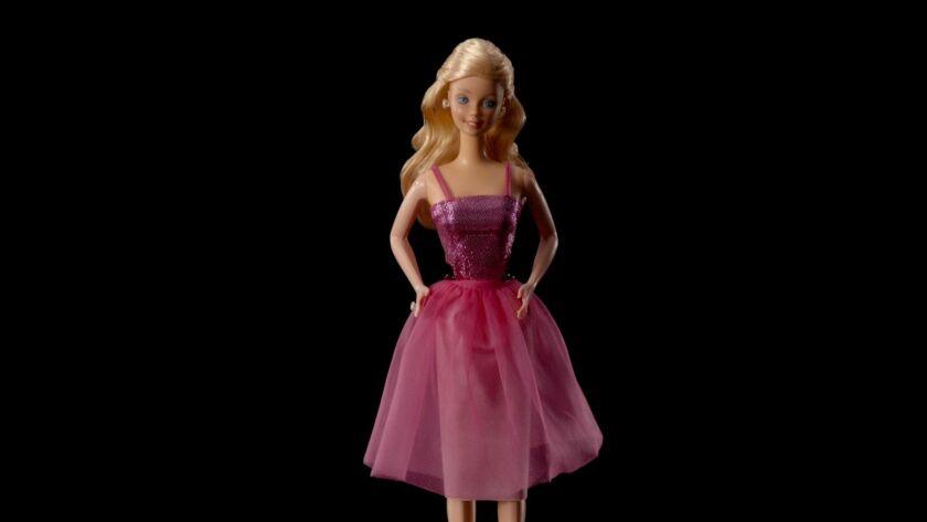 la-et-mn-tiny-shoulders-rethinking-barbie