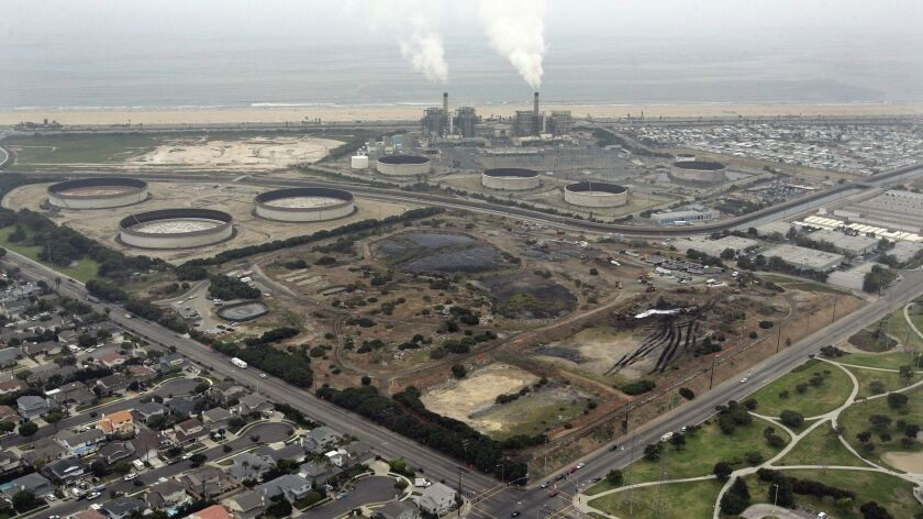 Kelsen, Don –– – Cleanup is underway at the 38–acre Ascon Landfill in Huntington Beach near Magnolia