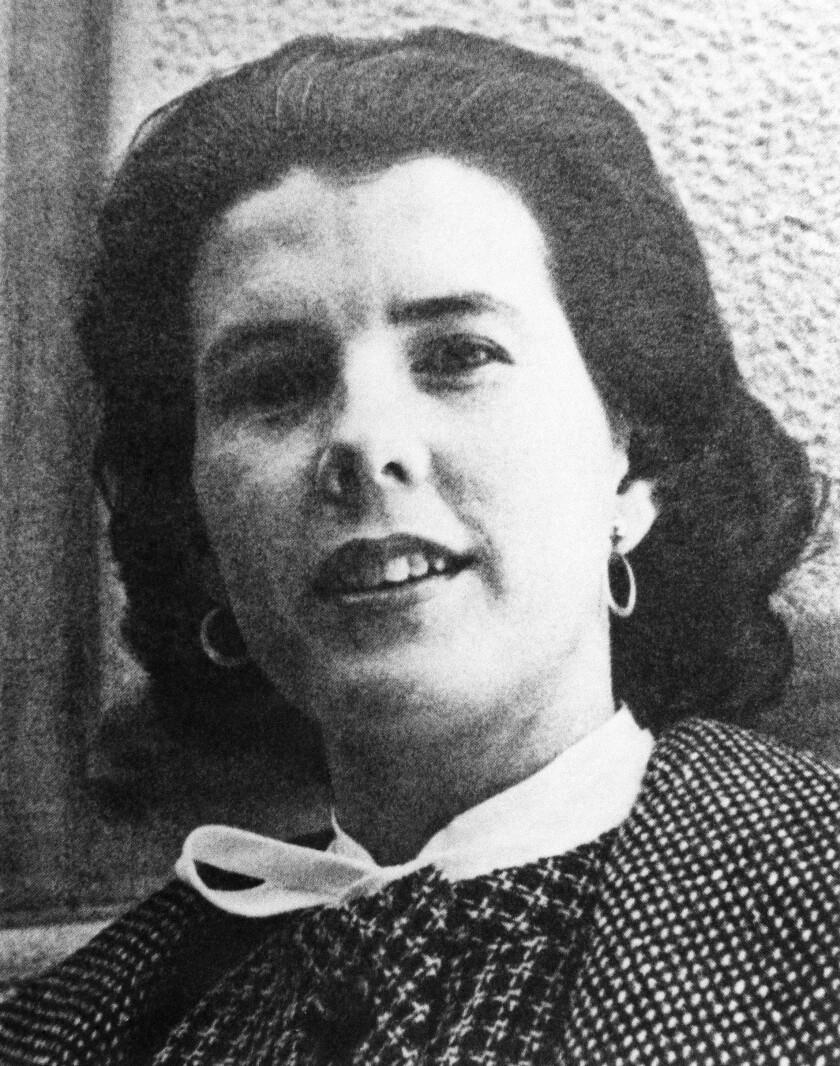 Shirley Ann Grau es nombrada ganadora del Premio Pulitzer 1965
