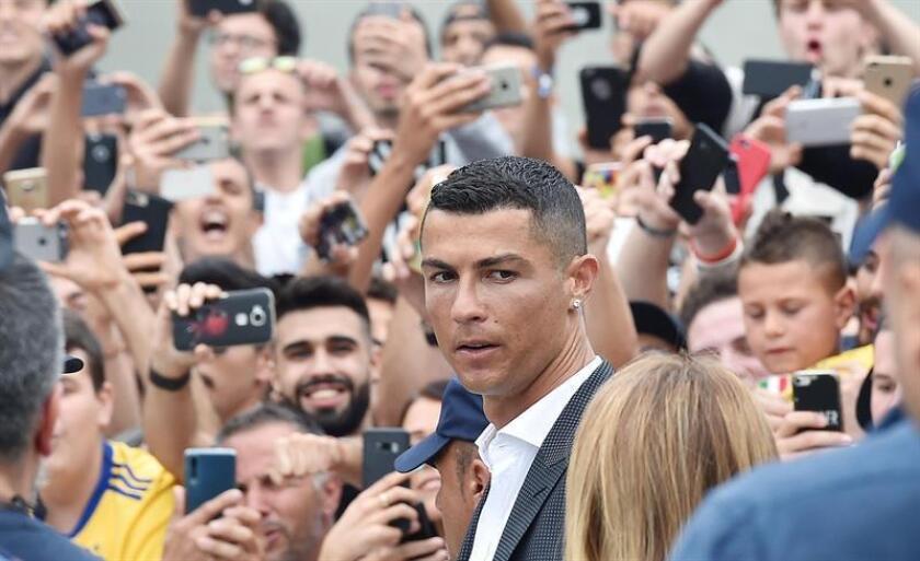 En la imagen, el futbolista portugués Cristiano Ronaldo. EFE/Archivo