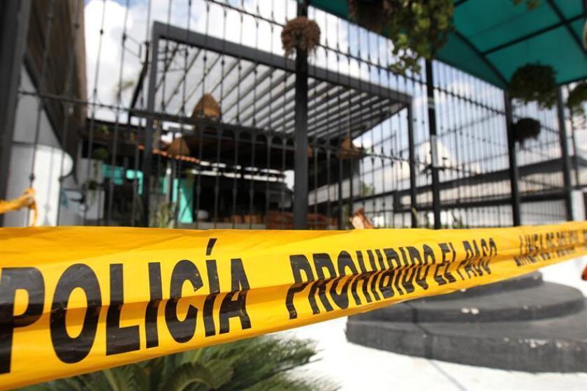 """Vista general del Bar """"Cantaritos"""" , sitio donde fue asesinado el bloguero """"El Pirata del Culiacán"""", de 17 años hoy, martes 19 de diciembre de 2017, en el estado de Jalisco (México). Juan Luis Lagunas, un conocido personaje de las redes sociales apodado el Pirata de Culiacán, fue asesinado a tiros en un bar del municipio de Zapopan, en el occidental estado mexicano de Jalisco, confirmaron hoy a Efe fuentes policiales.EFE"""