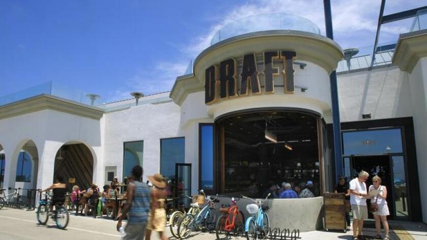 Draft sports bar in Mission Beach at Belmont Park. (Eduardo Contreras)