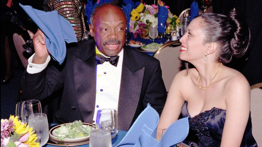 SPECIAL FOR THE LOS ANGELES TIMESññCalifornia Assembly Speaker Willie Brown readies for dinner with