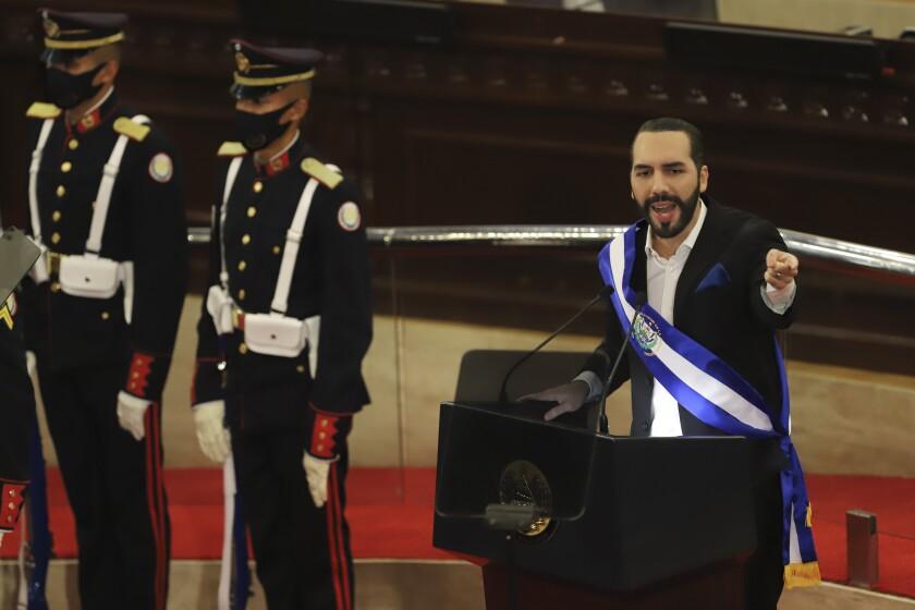 En esta fotografía de archivo del 1 de junio de 2021, el presidente salvadoreño Nayib Bukele