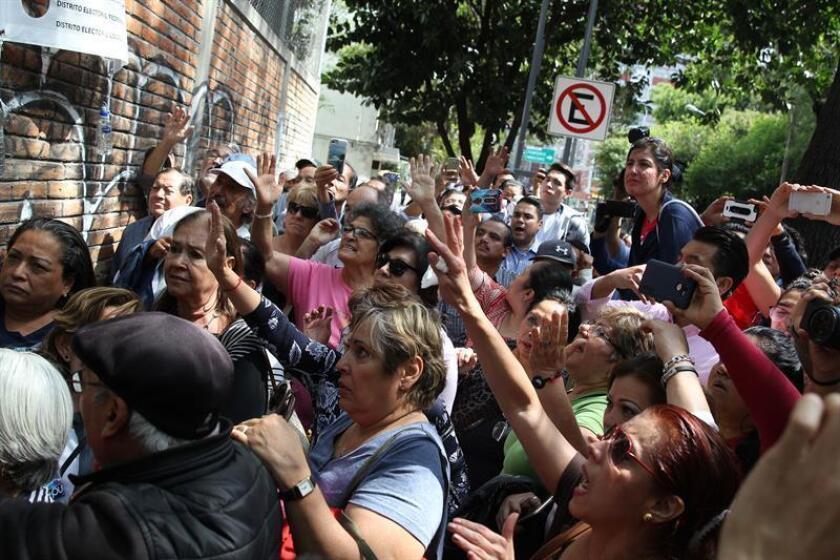 Comienza el cierre de los colegios electorales en México