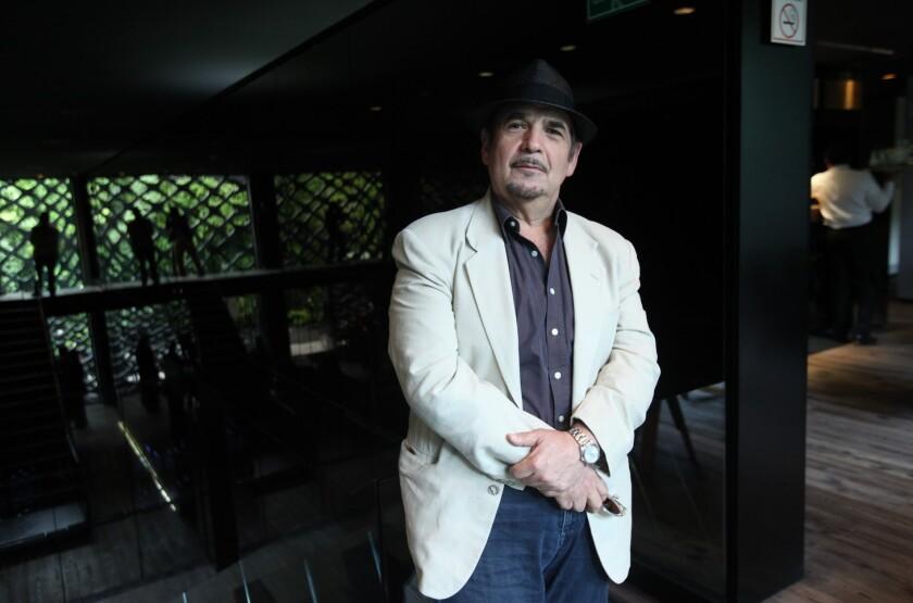 Gabriel Beristain firmó un contrato para dirigir una película y una serie de TV.