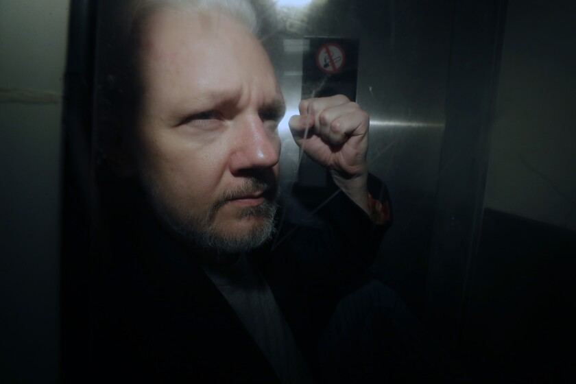 ct-wikileaks-founder-julian-assange-charges-20-001