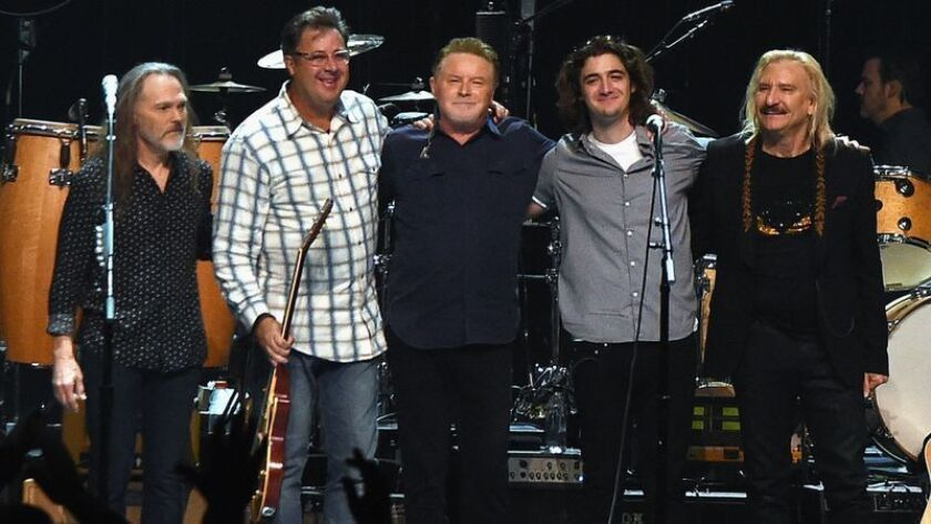 Eagles Tour 2020.Eagles Will Take Hotel California On The Road For 2020