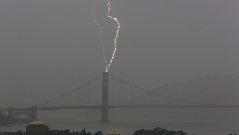 APphoto_APTOPIX California Storm
