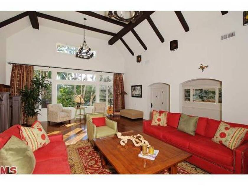 Country star Brad Paisley sells in Pacific Palisades