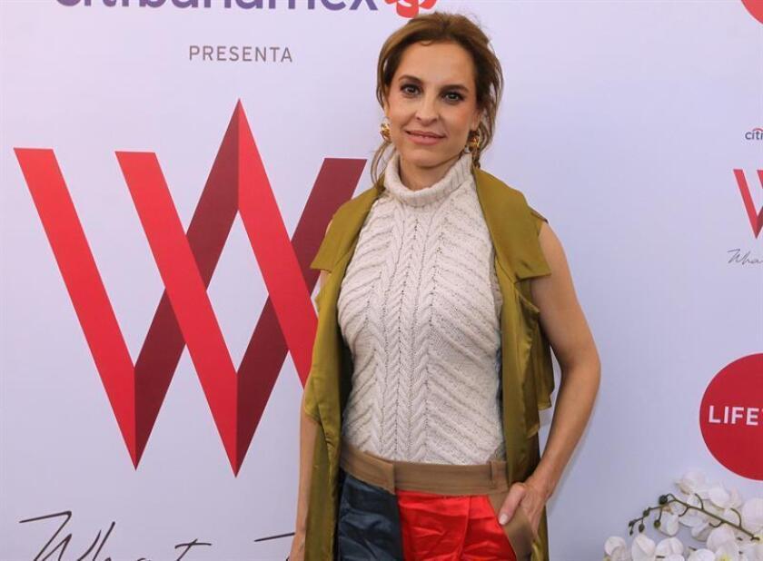 La actriz mexicana Marina de Tavira posa este domingo durante una rueda de prensa en Ciudad de México (México). EFE