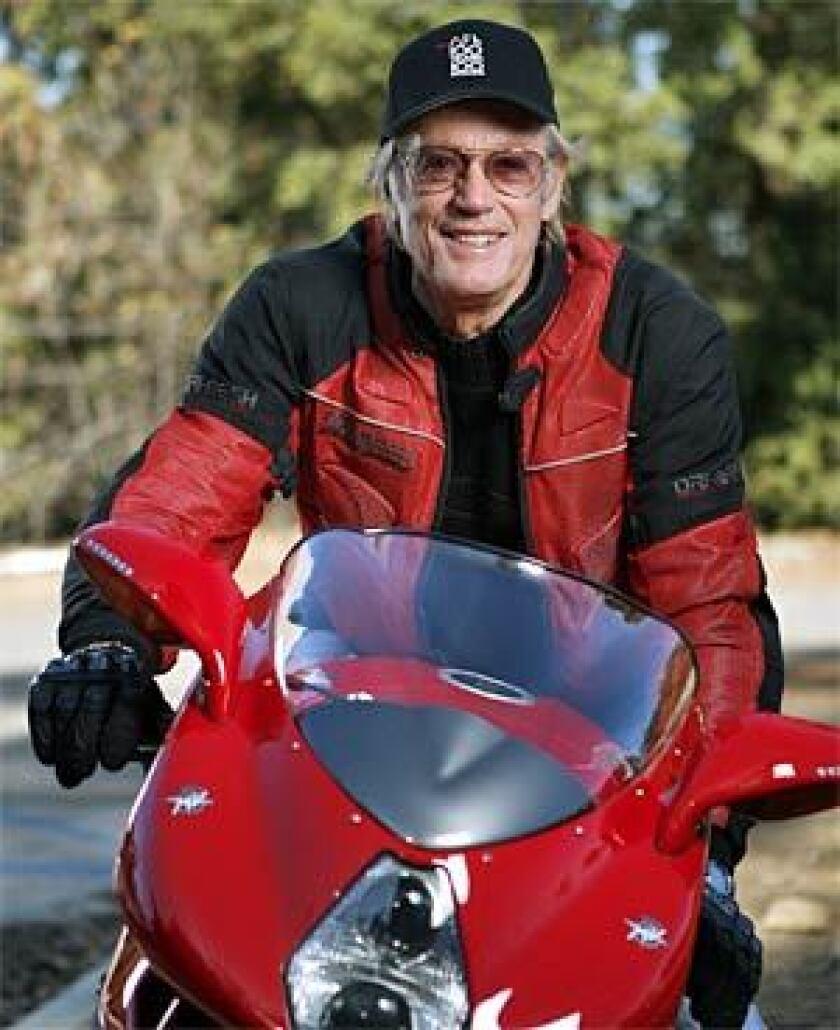 Peter Fonda on his MV-Agusta F4-1000.