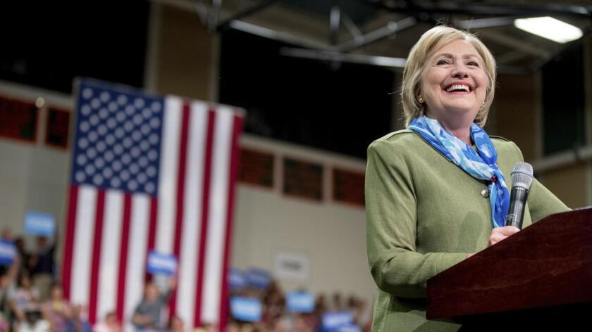 Hillary Clinton habla en un mitin en Commerce City, Colorado, el 3 de agosto pasado (Andrew Harnik / Associated Press).