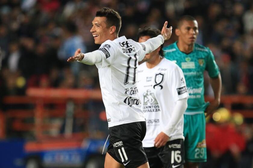 El Pachuca tomó el liderato del torneo Clausura 2017 con una victoria mínima sobre los Jaguares de Chiapas en la segunda jornada que terminará hoy con los partidos Toluca-América y Santos Laguna-Veracruz. EFE