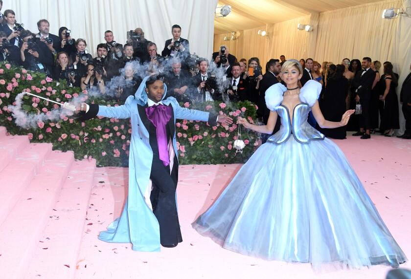 Coronavirus Postpones Met Gala Disrupts L A Fashion Week Los Angeles Times