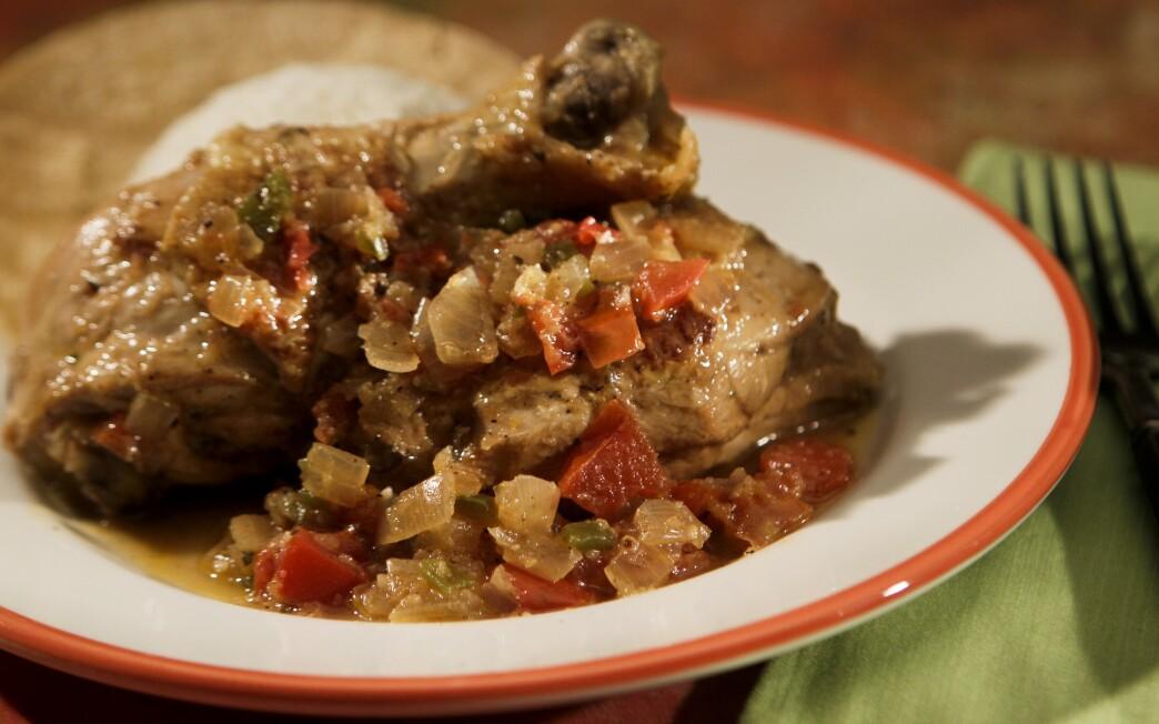 Pollo en pulque (Chicken in pulque sauce)