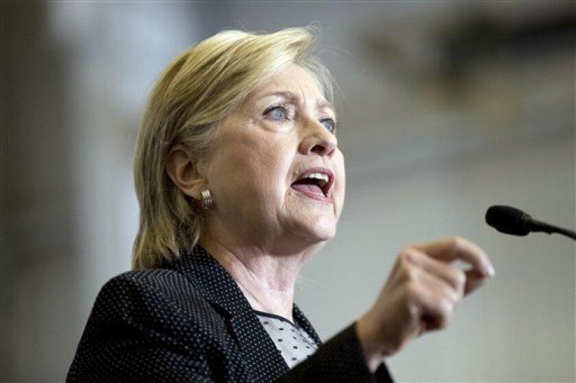 La candidata presidencial demócrata Hillary Clinton anunció a un hispano como su líder en el posible Gabinete de Transición.