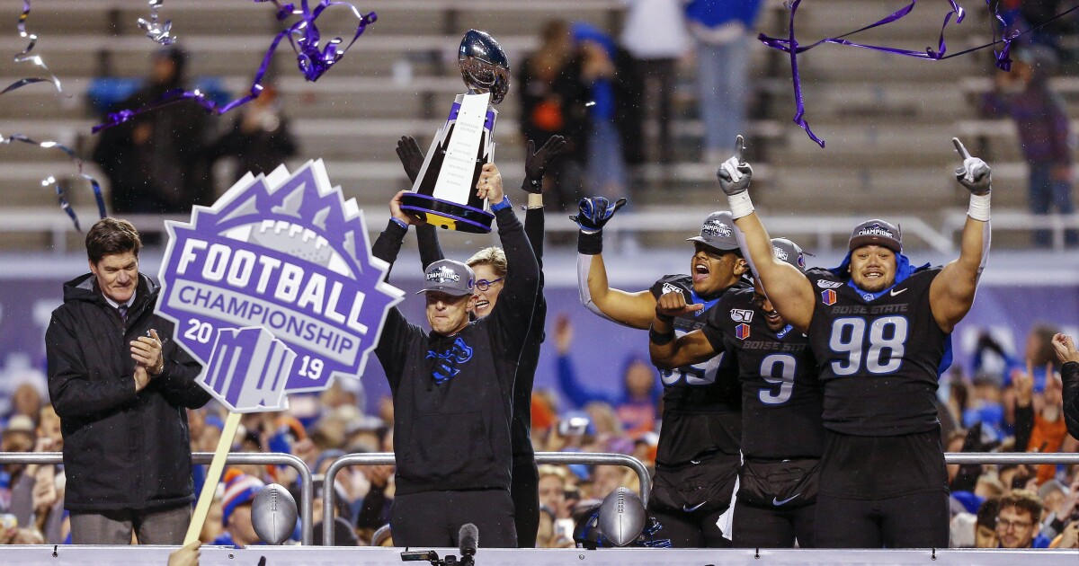 Boise State becomes first Mountain West school to cut sports amid pandemic
