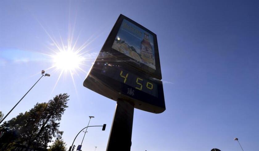 Un termómetro marca 45 grados. EFE/Archivo