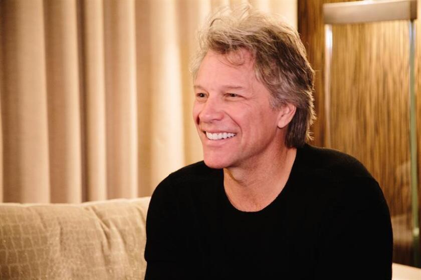 El cantante estadounidense Jon Bon Jovi sonríe durante una entrevista en Nueva York (EE.UU), ayer, 29 de octubre de 2018. EFE
