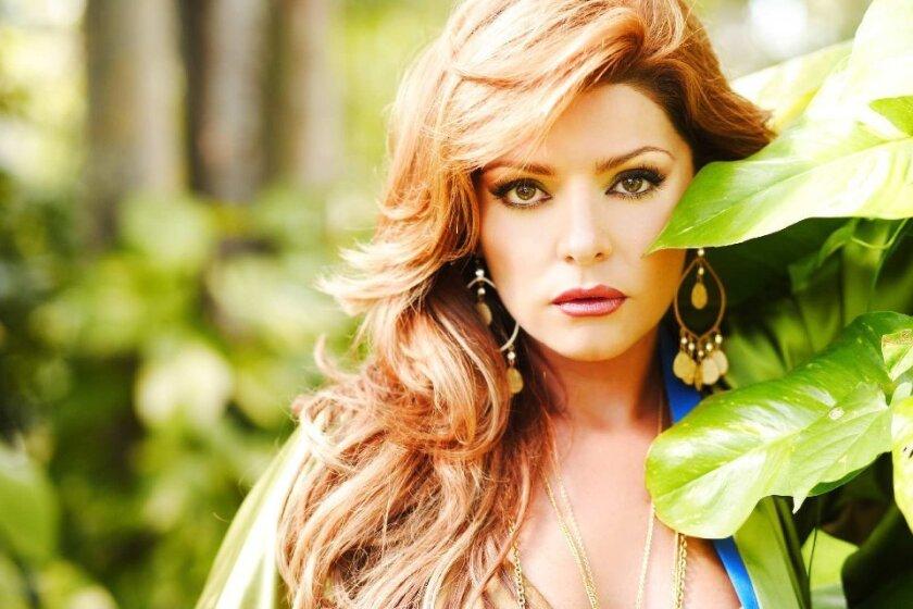 La actriz mexicana Itatí Cantoral ha confirmado el fin de su romance con el productor colombiano Carlos Alberto Cruz.