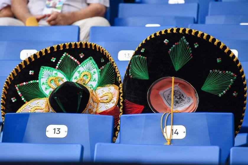 FBL-WC-2018-MATCH28-KOR-MEX-FANS