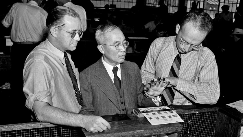 Aug. 28, 1940: During the first day of registration under the Alien Registr