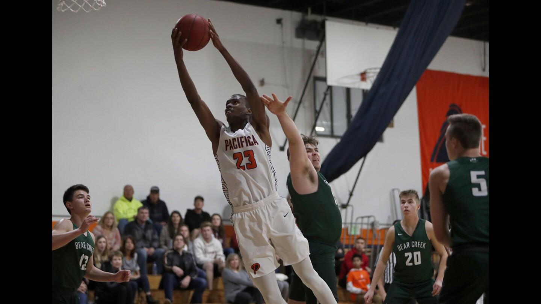 Photo Gallery: Pacifica Christian Orange County vs. Redmond (Wash.) Bear Creek in boys' basketball