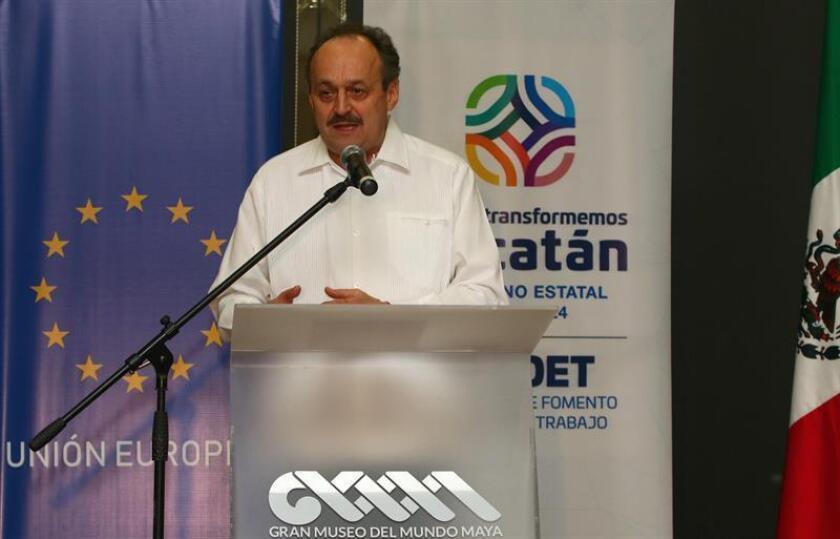 El embajador de la Unión Europea (UE) en México, Klaus Rudischhauser, participa en un encuentro con autoridades y representantes de sectores productivos este jueves, en la ciudad de Mérida, en el estado de Yucatán (México). EFE