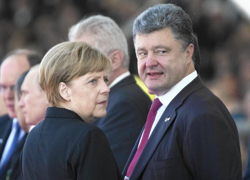 Petro Poroshenko, Angela Merkel