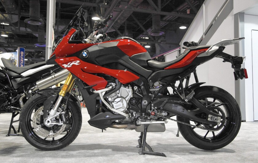 Bmw S S1000xr Sport Bike An Ideal Blend Of Comfort And