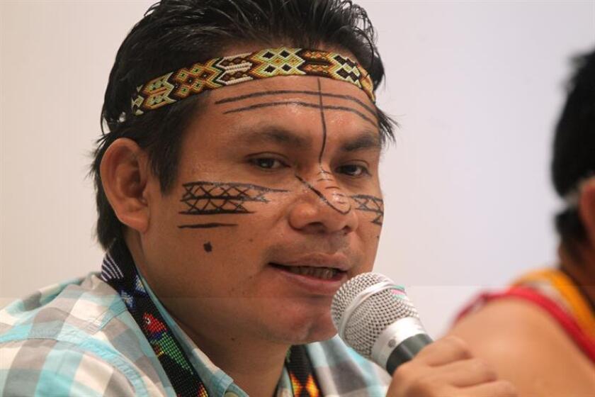 El coordinador de las Organizaciones Indígenas de la Cuenca Amazonica COICA, Katan Jua, participa en una conferencia de prensa en el marco de la XIII Conferencia de las Partes del Convenio sobre Diversidad Biológica (COP13) hoy, Jueves 8 de diciembre de 2016, en Cancún (México). EFE